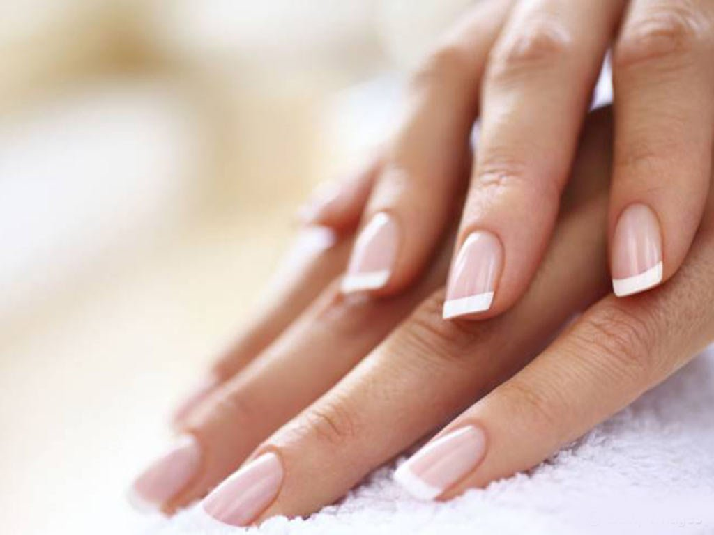 foto smalti sposa french manicure
