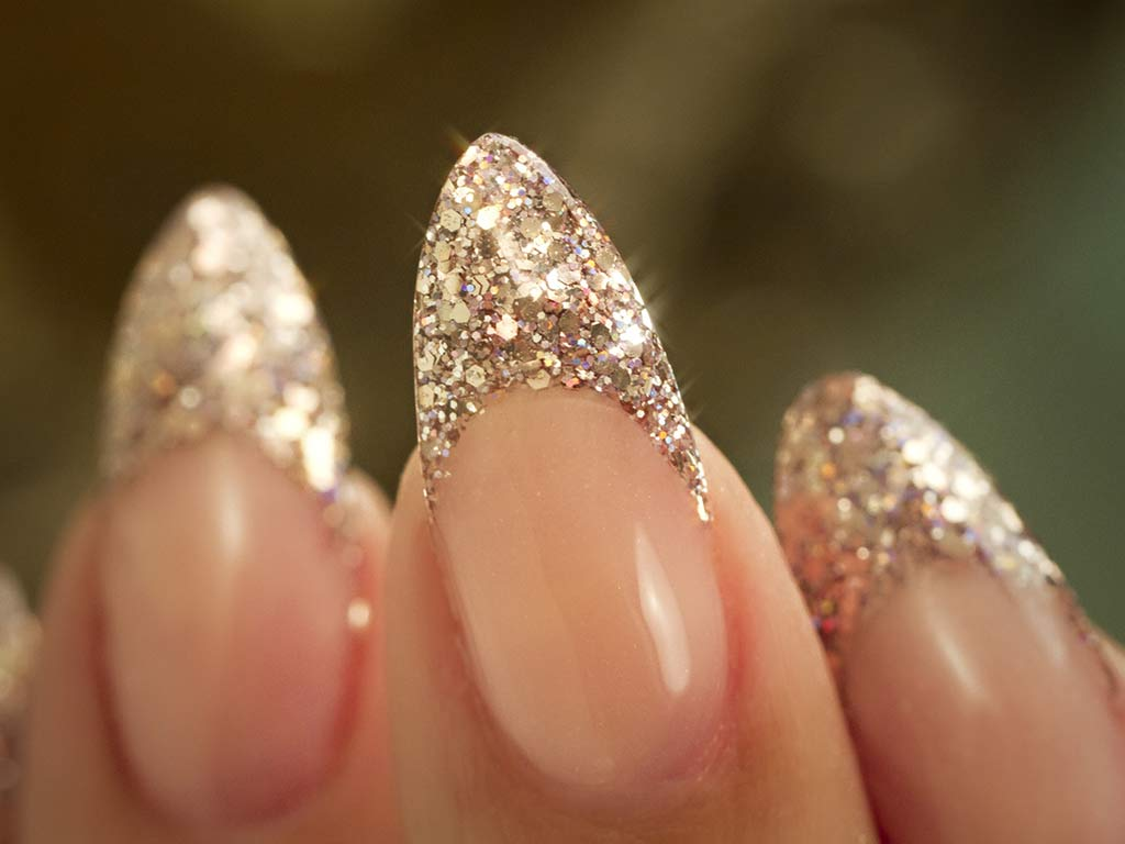 foto manicure ai cristalli