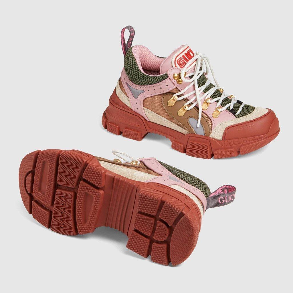 Foto delle sneakers Gucci rosa con suola doppia