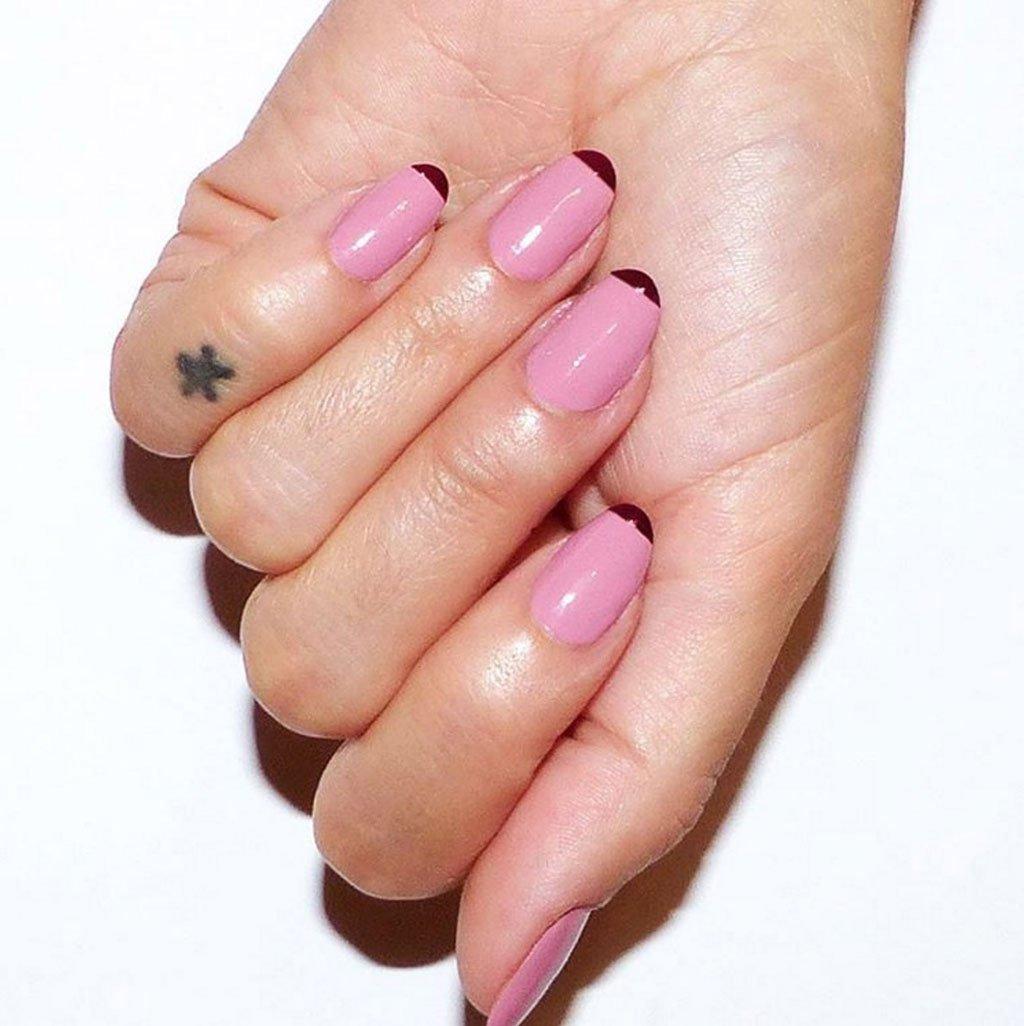 Manicure rosa e rosso di san valentino