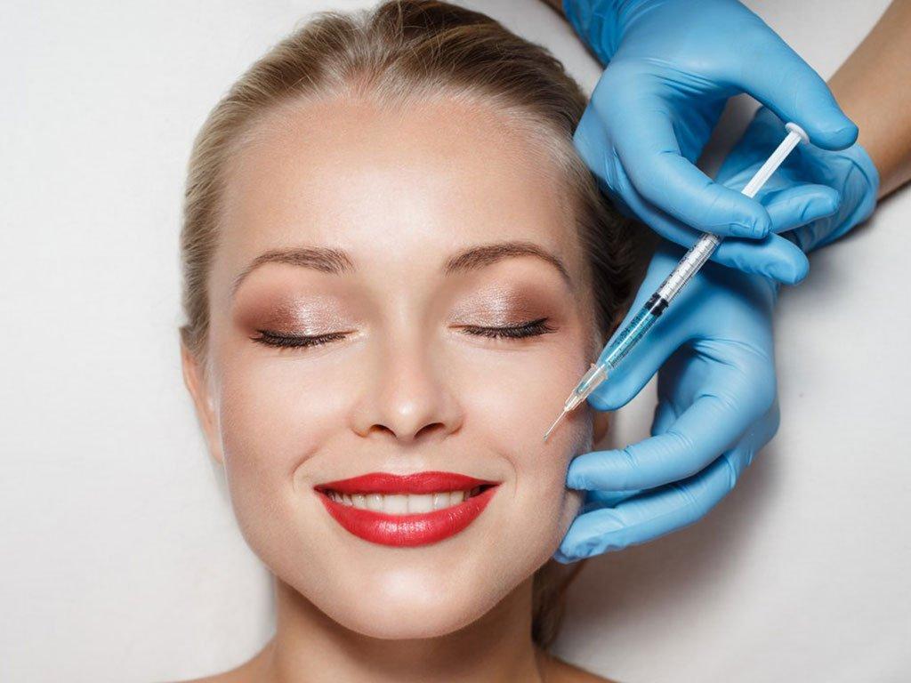 foto acido ialuronico viso estetica