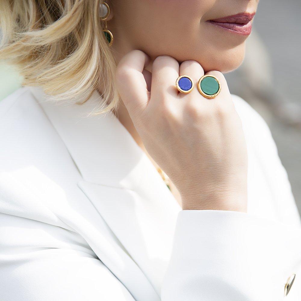 Foto di anello doppio con pietre malachite e lapislazzulo