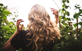 foto di capelli con permanente