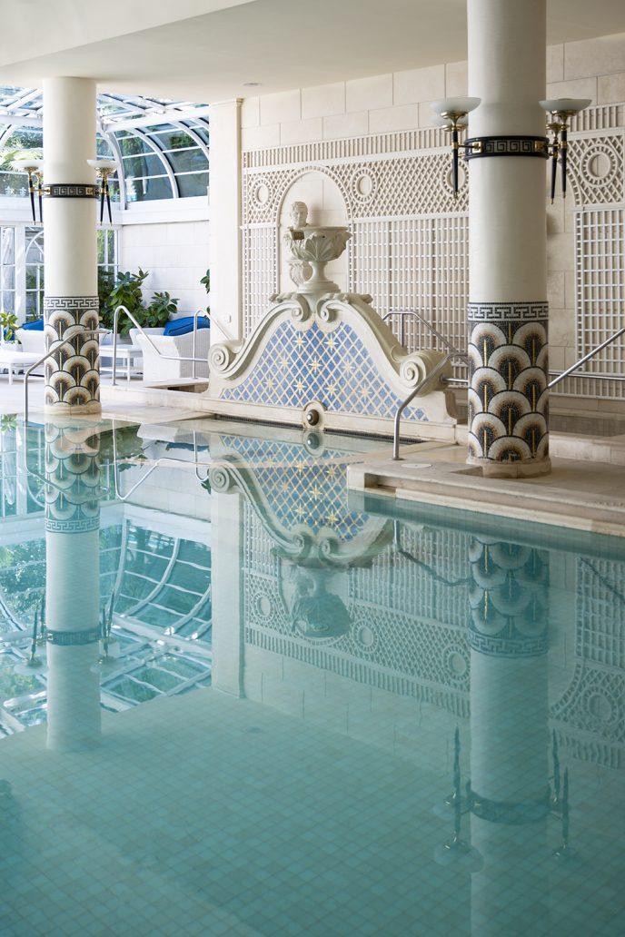 Foto della piscina del Rome Cavalieri
