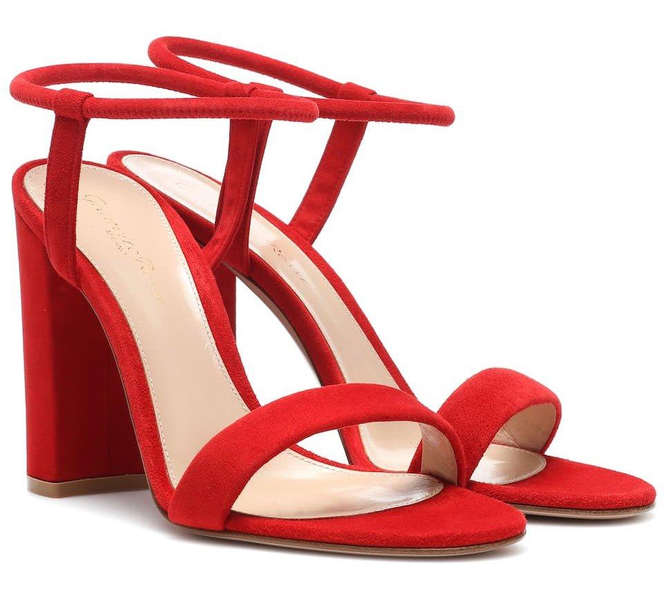 Foto di sandali rossi