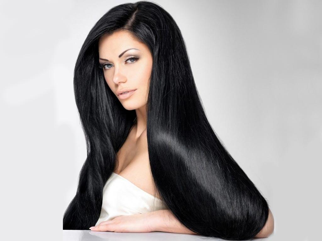 foto moda capelli autunno inverno 2019-2020 nero corvino