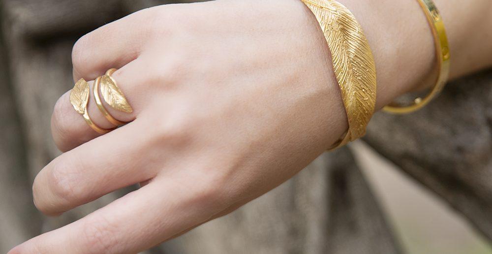 Foto di anelli e bracciali