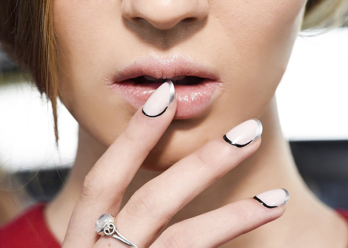 Foto della french manicure colorata