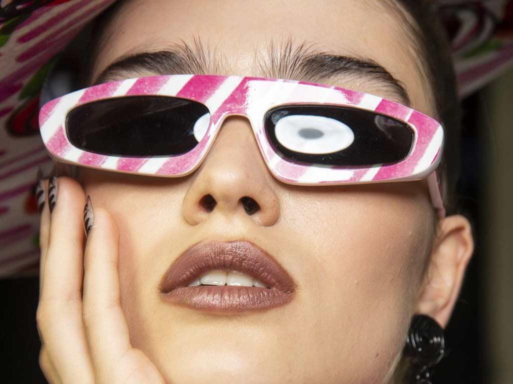 foto occhiali da sole sottili
