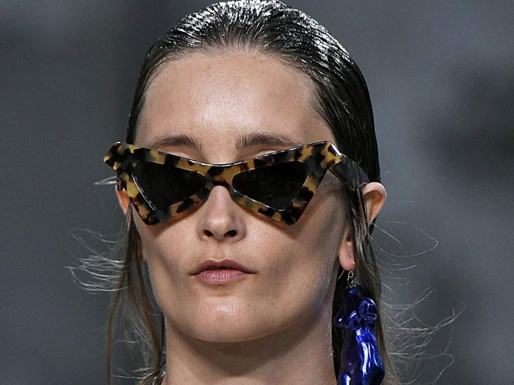 foto occhiali da sole triangolari