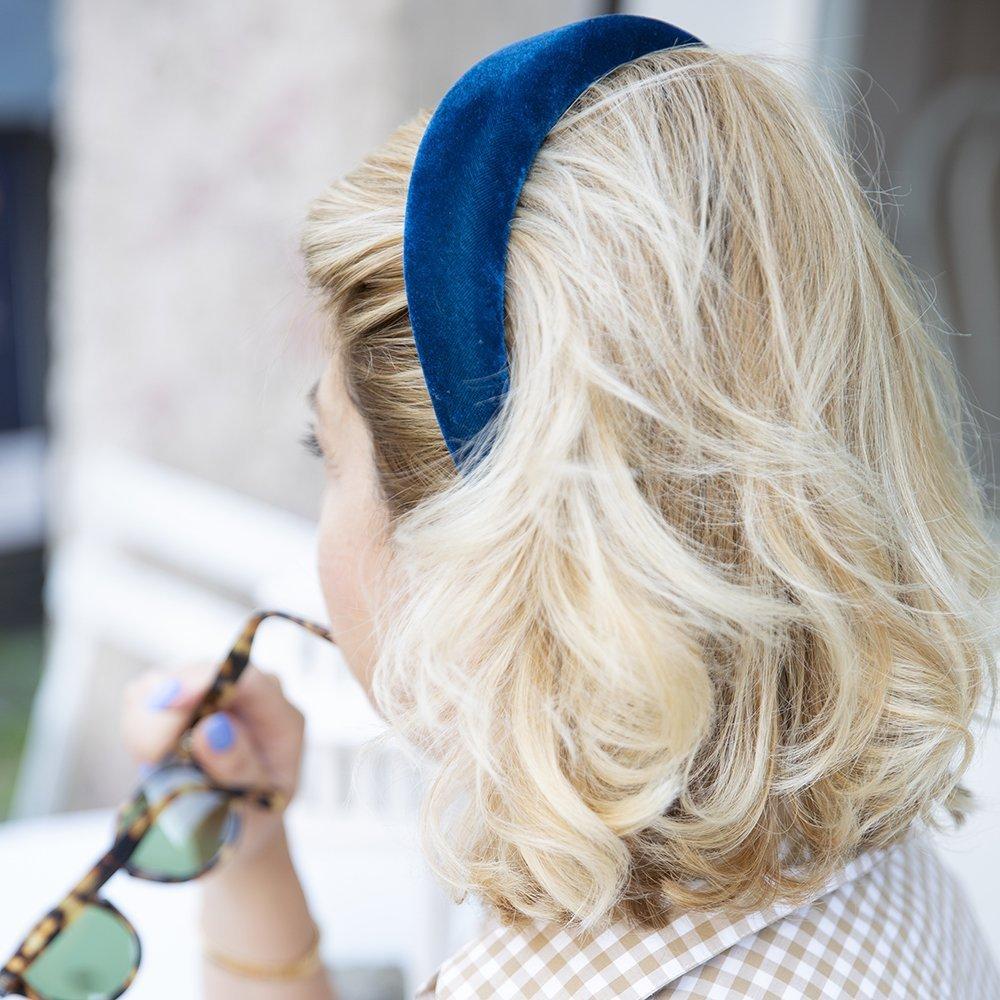 Foto di maxi cerchietto bombato in velluto blu