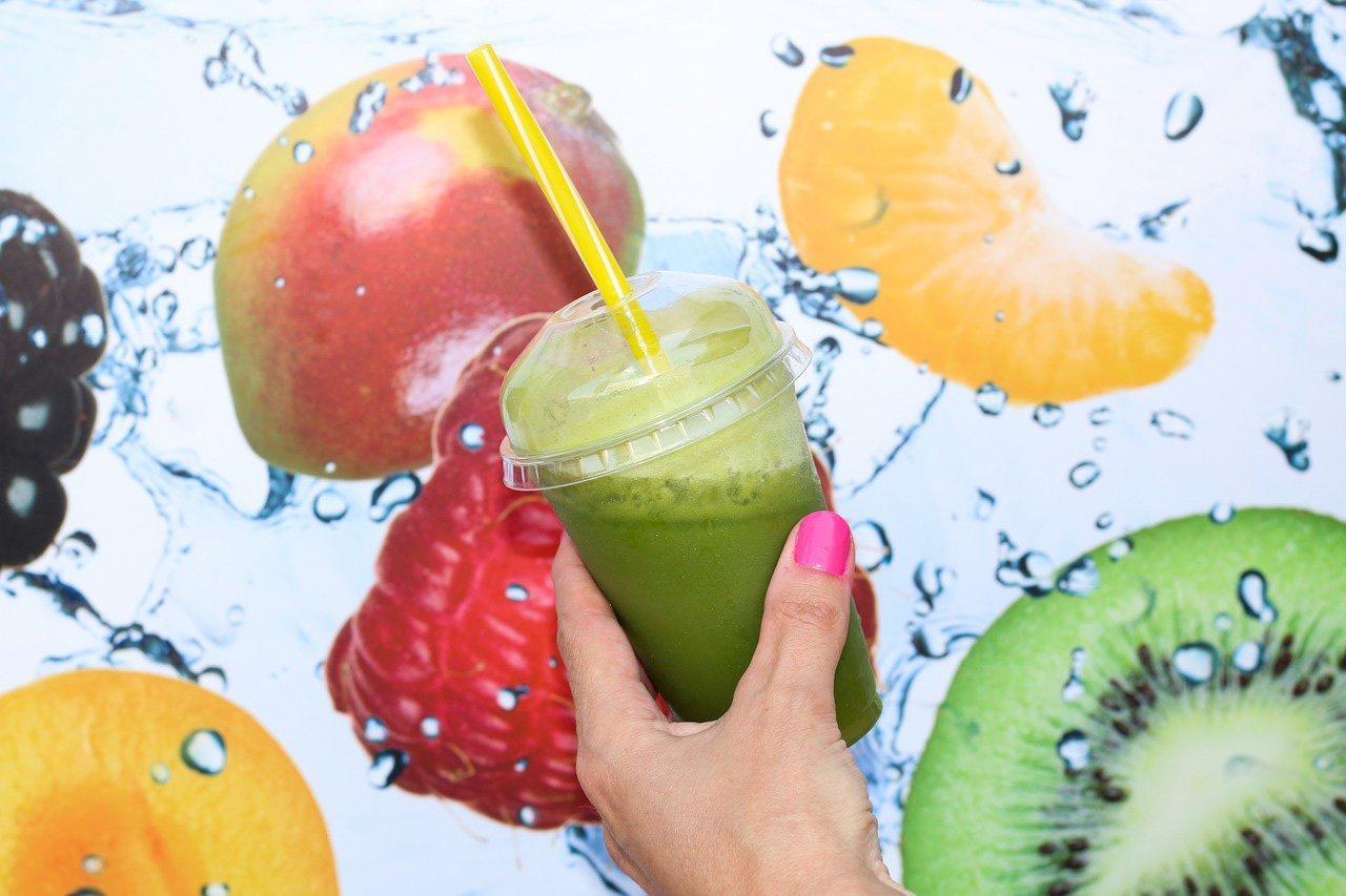 Foto di smoothies verde contro il caldo