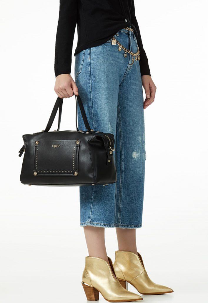 Foto di borsa nera con borchie Liu Jo
