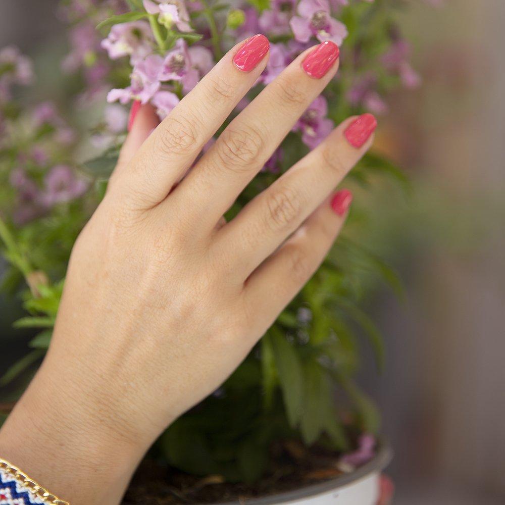 Foto della manicure con gli smalti biolac di Kylua