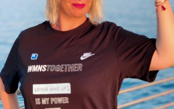 Foto di Claudia con la t-shirt WMNS Together