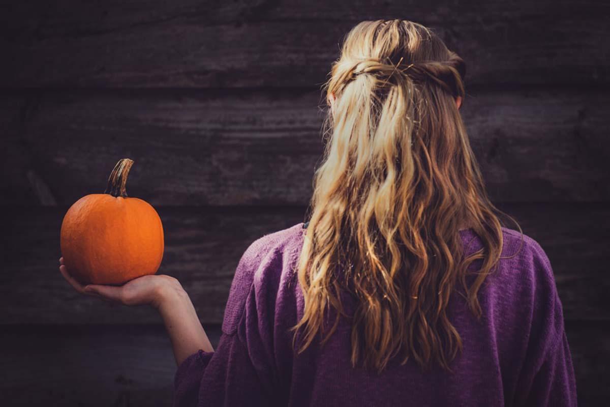 Foto della zucca tra i cibi dell'autunno