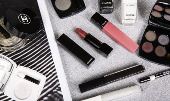 Foto della collezione Make up Chanel autunno inverno 2019 2020 Noir et blanc