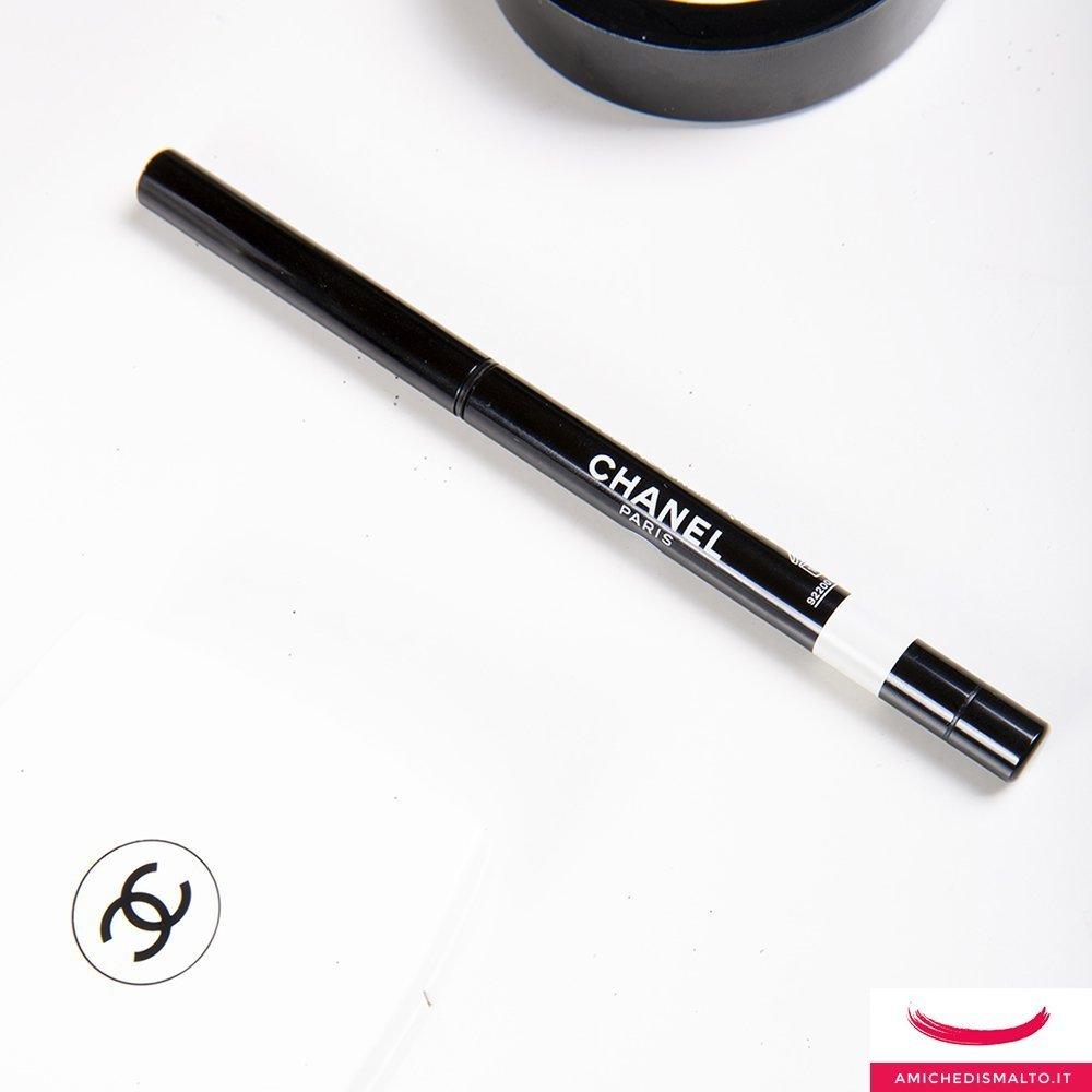 foto della stylo occhi bianca di Chanel