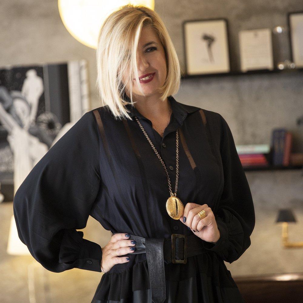 foto gioielli di tendenza: la collana a forma di occhio Giulia Barela Jewelry