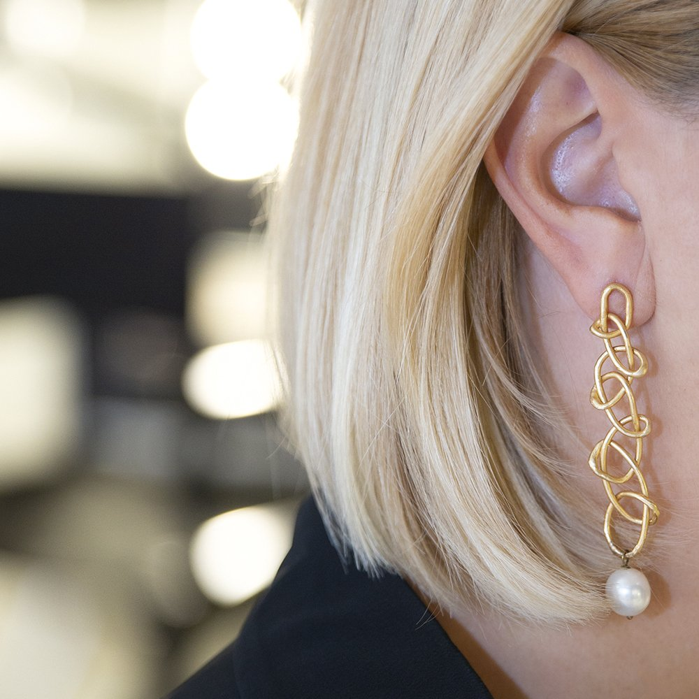 Orecchini Knot di Giulia Barela Jewelry