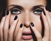 Smalto nero, la Dark Manicure che Ammalia