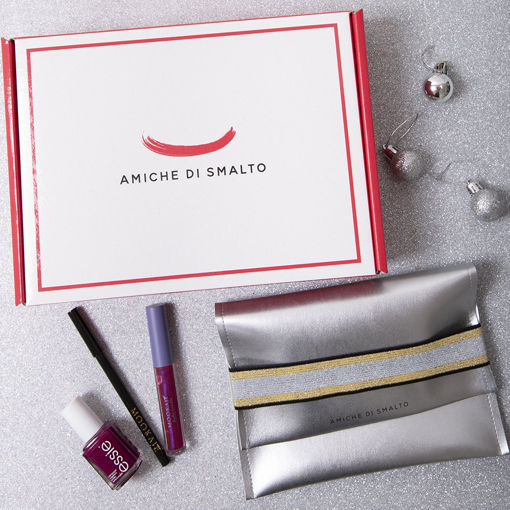 Foto della Beauty Box Amiche Di Smalto Look Dark