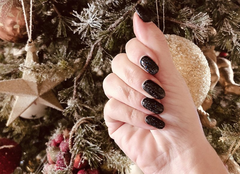Dark Manicure Natale 2019