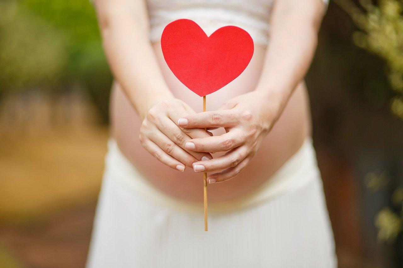 Maschera della gravidanza: come prevenire le macchie della pelle