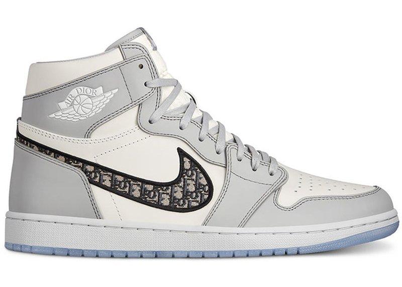 Foto delle sneakers Nike Jordan e Dior