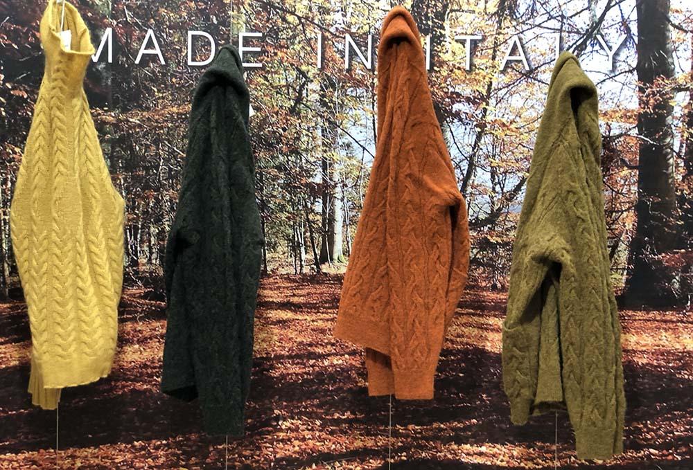 Foto di maglioni colorati della moda uomo autunno inverno 2020-2021