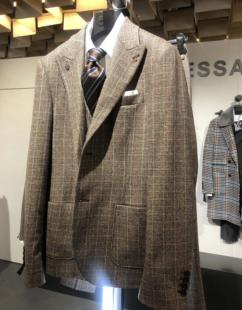Foto di giacca sartoriale della moda uomo autunno inverno 2020-2021
