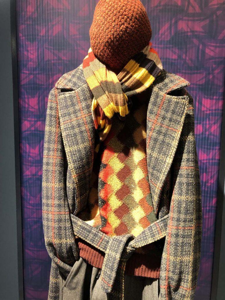 Foto di look maglione colorato e giacca della moda uomo autunno inverno 2020-2021
