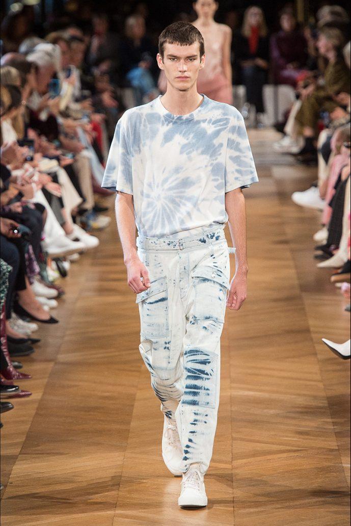 Foto di jeans slavato primavera estate 2020