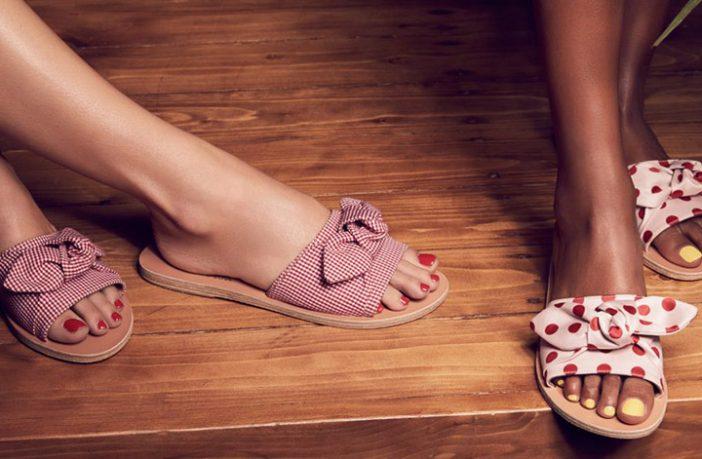 Foto di sandali e smalti