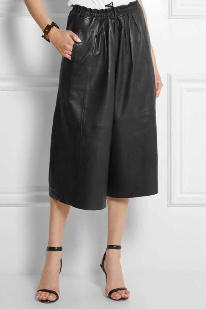 Foto di pantalone culotte nero