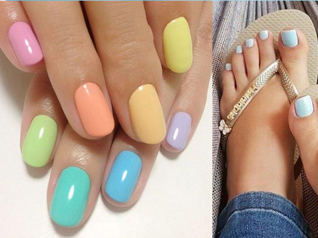 Foto di unghie multicolor smalto mani e piedi
