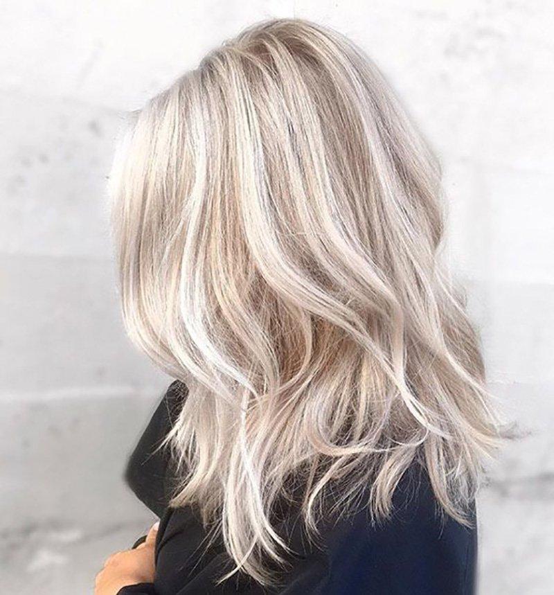 Foto colore capelli grigi autunno inverno 2020-2021