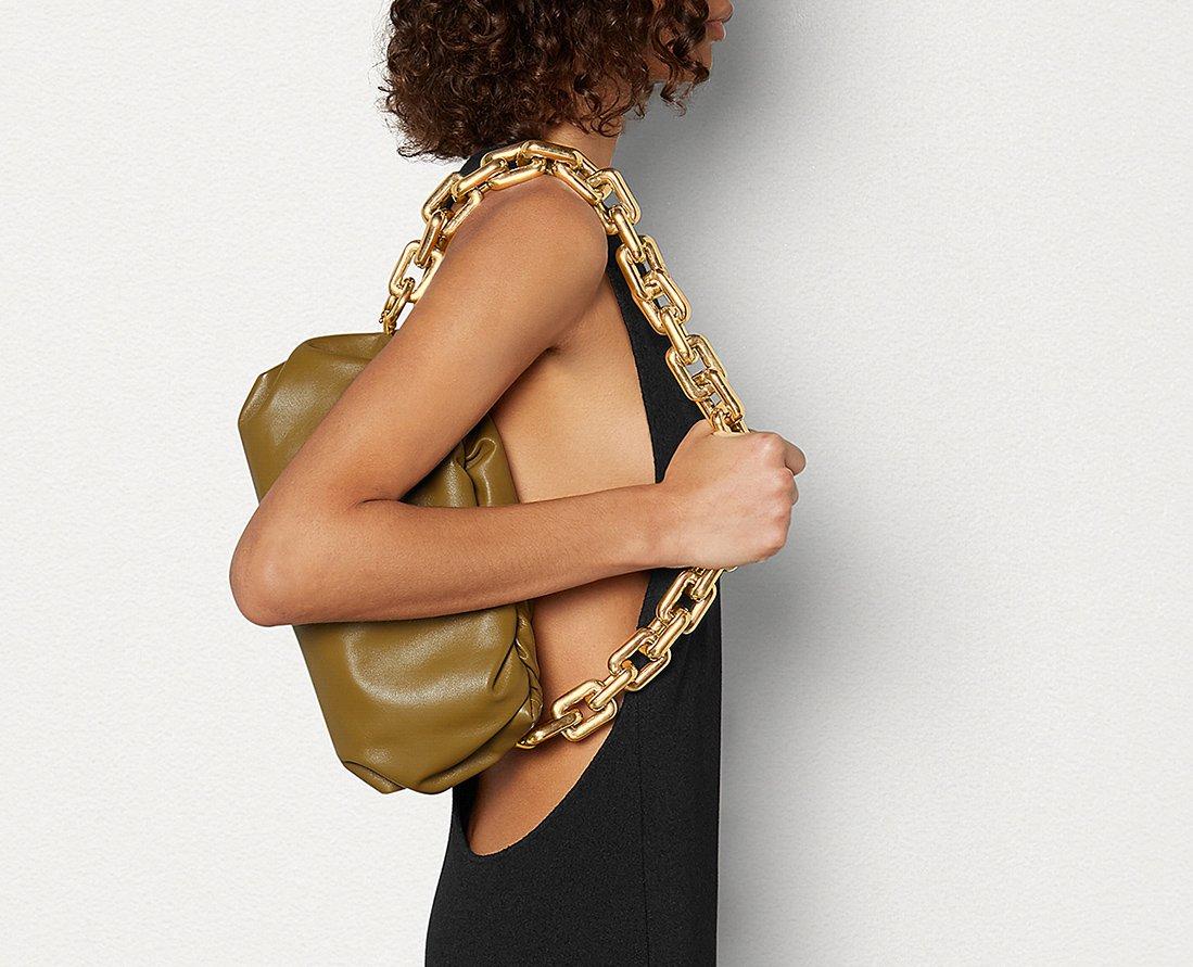 Foto della borsa Chain Pouch di Bottega Veneta