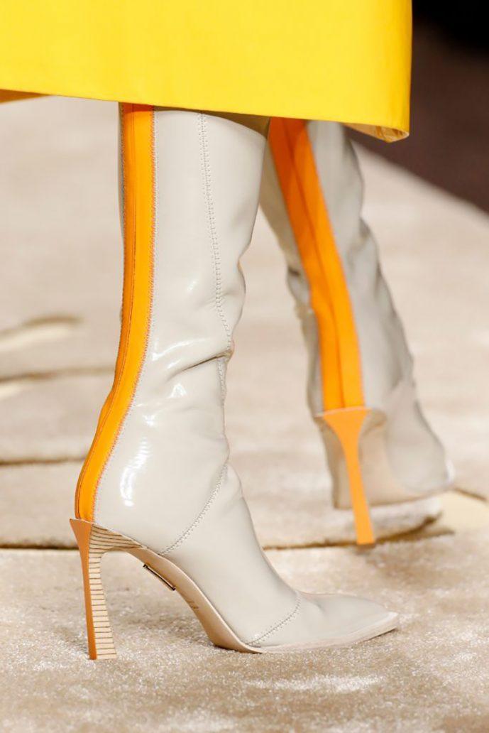 Foto di stivali bianchi Fendi