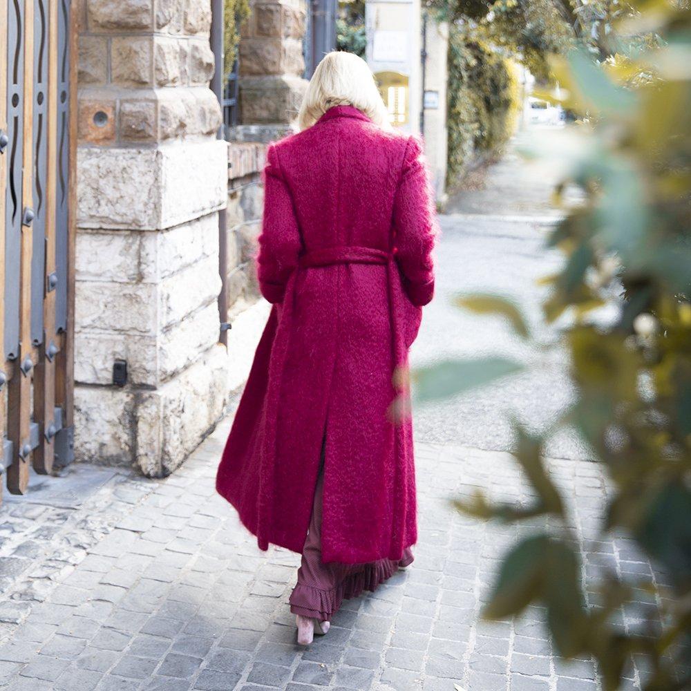 Foto di cappotto in mohair rosso