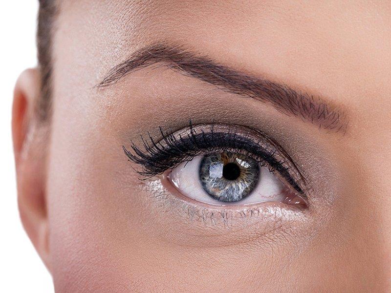 Foto di trucco semipermannete occhi eyeliner