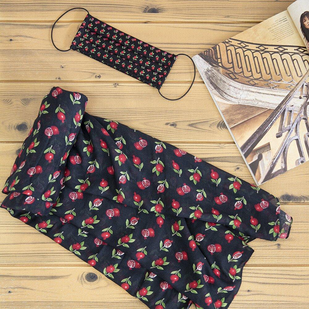 Foto di sciarpa e mascherina di Luluredgrove