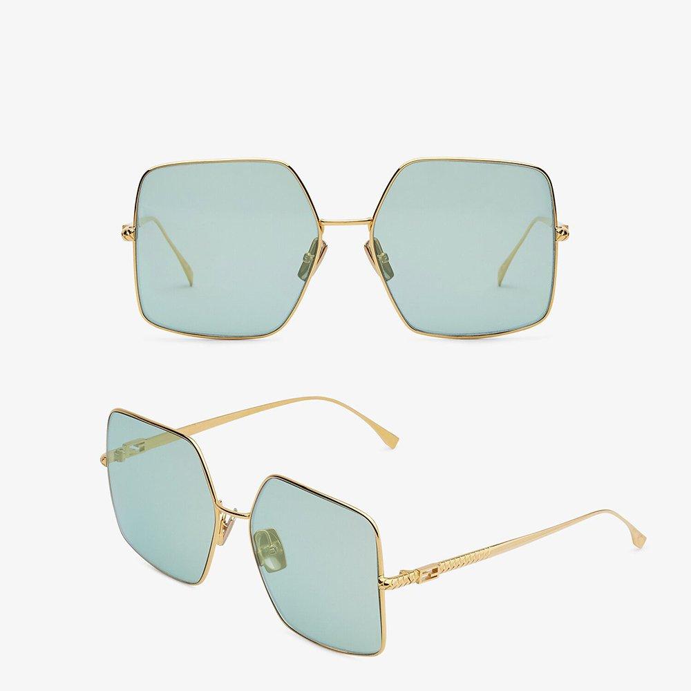 Foto di occhiali da sole 2021 Fendi Baguette