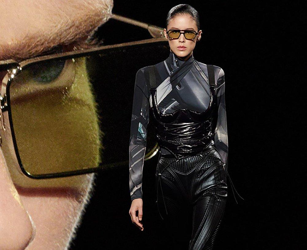 donna con occhiali da sole estate 2021 Gentle Monster