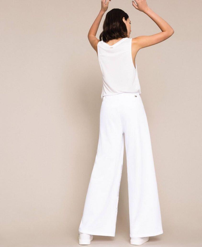 Foto di jeans 2021 bianco