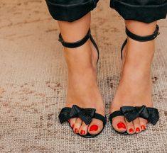 Smalto Piedi 2021: i Colori Moda per la Pedicure