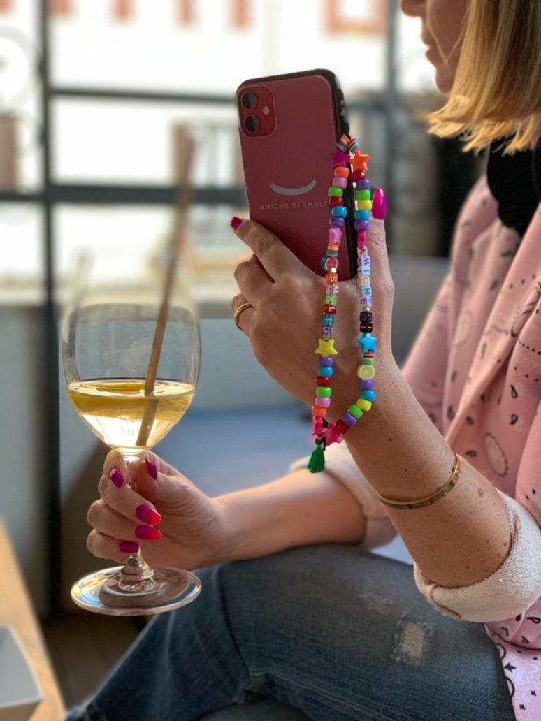 Foto di phone beads, la collana per cellulare