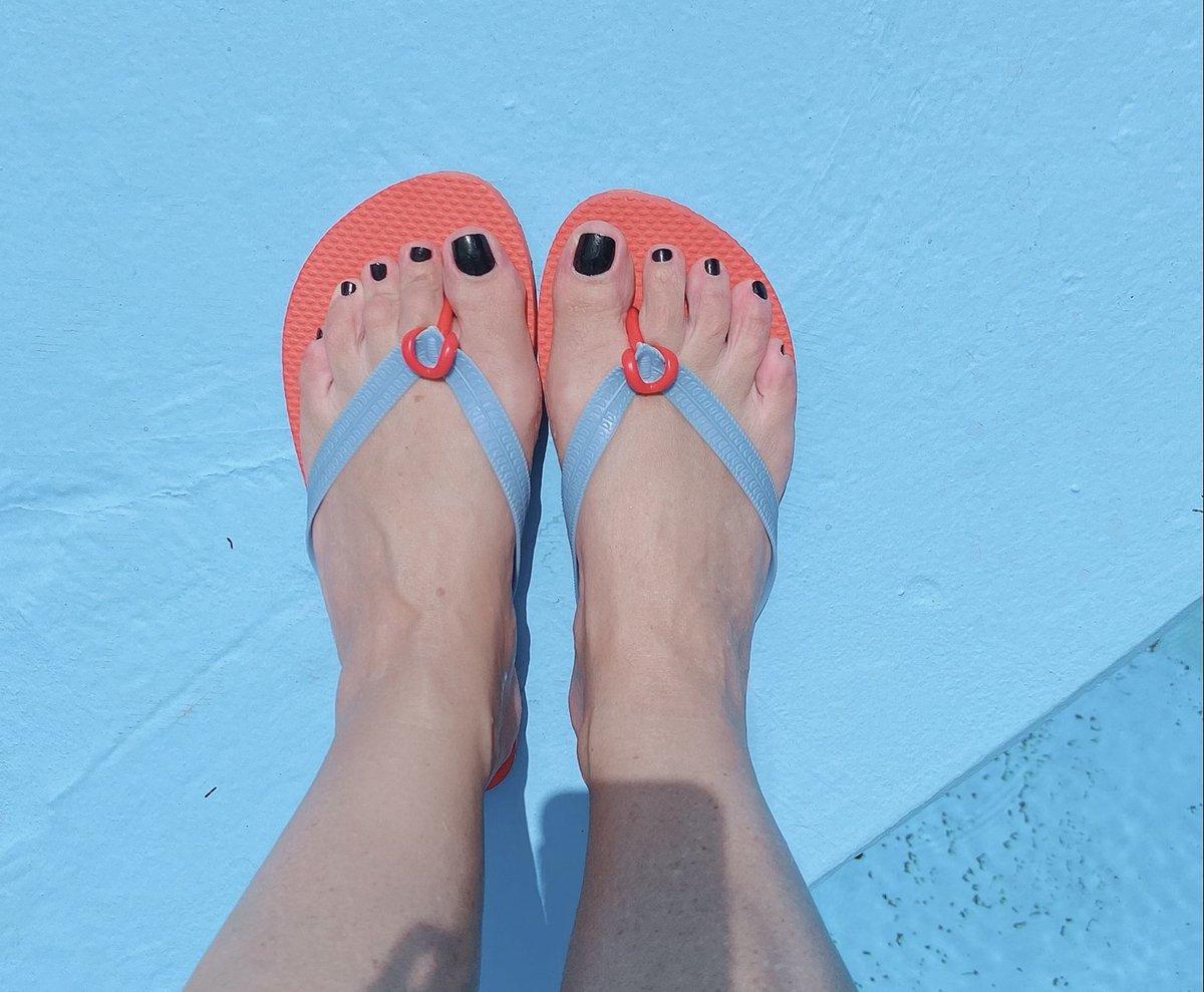 Foto di piedi con i flipper