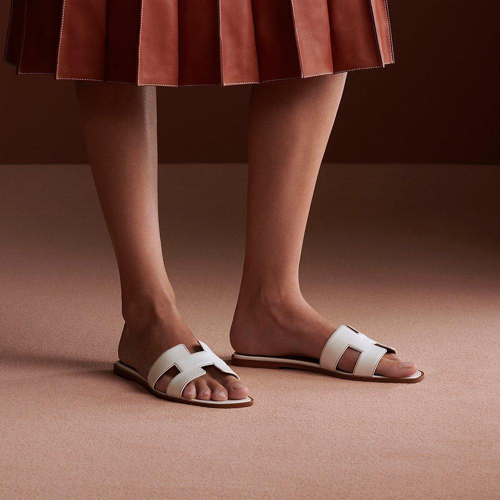 Foto di sandali bianchi Oran di Hermès