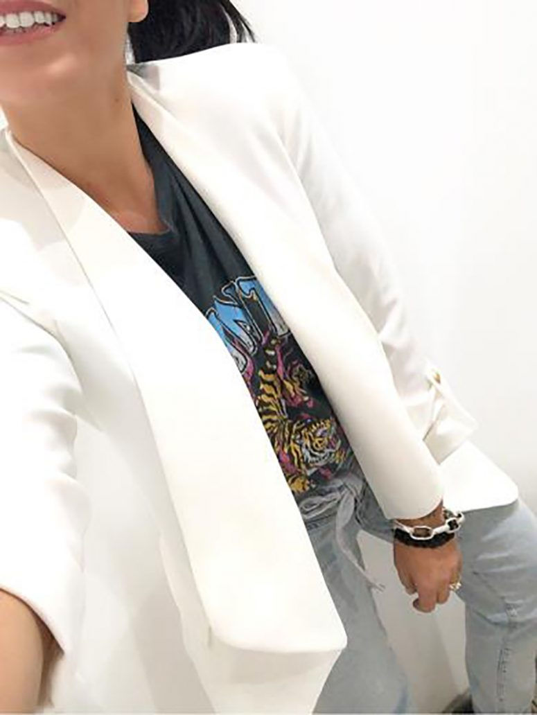 Foto di outfit da ufficio con maxi blazer